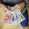 Abbildung von Geld in der Hand
