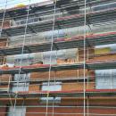 04.05.2021: Zum Zeitpunkt der Aufnahme wurde die Klinkerfassade gemauert.