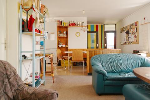 wohnzimmer bremen komplett und flur bild aus der raumfahrt ins wohnzimmer komplett und flur. Black Bedroom Furniture Sets. Home Design Ideas